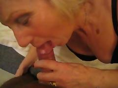 Mature slut loves sucking cock