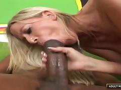 She's a white beauty with a meaty ass and deserves a big black dick! tube porn video