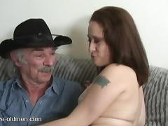 Experienced cowboy decides to penetrate the chick's juicy beaver porn tube video