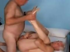 2 dads 1 bed porn tube video