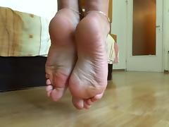 Teasing you with perfect soles - close view porn tube video