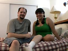 Chubby amateur couple in their bedroom to film a fuck scene porn tube video