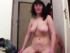 Young Boy Seduce homeless MILF Mother to Fuck with Him tube porn video