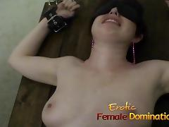 Kinky brunette babe has her orgasmic pussy pleasured by