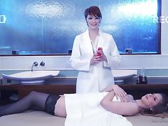 Short-haired masseur takes down her glasses and goes full-lesbian