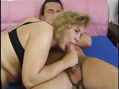 Nice blond mature hairy pussy porn tube video