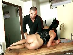 MILF hooks up with a guy in a filthy, seedy hotel room