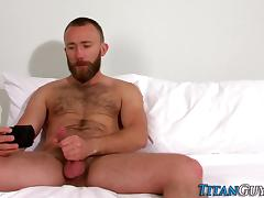 Bearded brawny hunk cums porn tube video