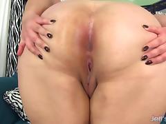 Chubby beauty Jade Rose masturbates porn tube video