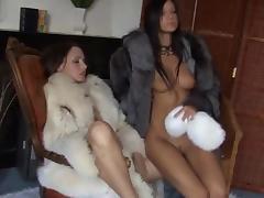 Lesbian fur fun