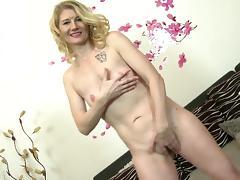 Mature mom-next-door needs hard cock porn tube video