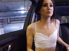 Renee Roulette sucks a cock in the car tube porn video