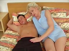 Granny in bed porn tube video