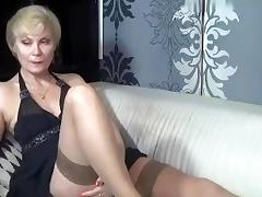 kinky_momy intimate movie scene 07/11/15 on 14:twenty from MyFreecams