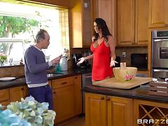 Black-haired cougar with large breasts getting screwed in the kitchen tube porn video