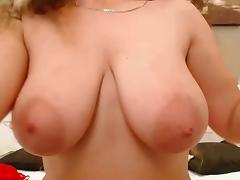 Curly brunette with big boobs on cam porn tube video