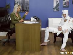 Kinky guy with a big boner gives Rachel the best banging of her life