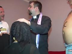 Dal confessionale storie di 2 maiale (CXD01325) porn tube video