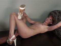 Small tits redhead babe yelling when banged hardcore on table porn tube video