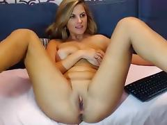 Bryanne shows off her ass and rubbing her pussy