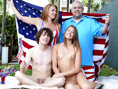 Kirsten Lee in Independence Day - FamilyStrokes