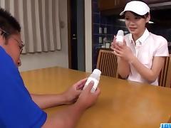 Akubi Yumemi really loves cracking her twat on cam