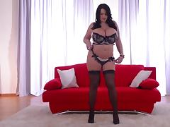 Busty goddess shows her natural big boobs