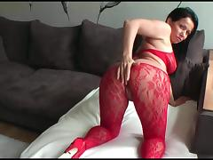 Stepmother takes it hard in the ass just to get her ass creamed afterwards