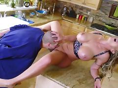About time someone fucks this milf's greedy pussy the right way porn tube video