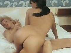 Femmes A Hommes porn tube video