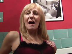 Luscious granny enjoys having some kinky alone time porn tube video