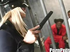 Big ass blonde cop throbbed hardcore by horny prisoner