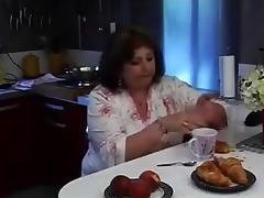 Grosse maman en chaleur tube porn video