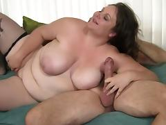 Chubby Joslyn is still in love with the good old pussy spooning
