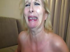 Mature in pantyhose porn tube video