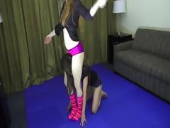Domina se divierte exprimiendo a una sumi porn tube video