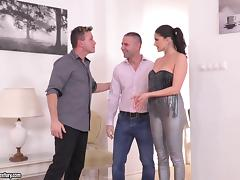 Two guys with big peckers giving Franceska the double penetration