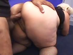 Mature woman with a phat ass porn tube video