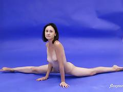 Amazingly fit Galina Markova stretches her cunt by spreading her legs