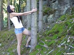 Vanessa's favorite masturbation spot is deep in the wilderness porn tube video
