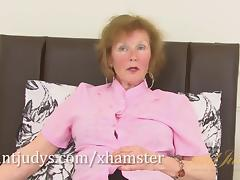 Over 60 mature model Pearl shows us her granny body and pier
