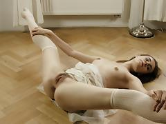 Sexy Anna is very flexible and knows how to tease the horny guys porn tube video