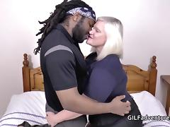 Mature granny Lacey Starr does a fat black cock porn tube video