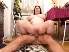 Fun with chubby mom