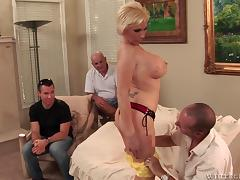 Lucky dudes watching the blonde getting stuffed from up close