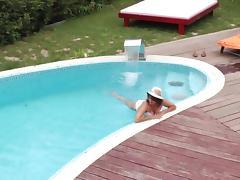 Fat mature bimbo enjoys fingering her cunt in the sun tube porn video