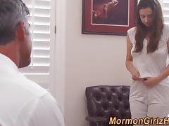 Teen watched masturbating porn tube video