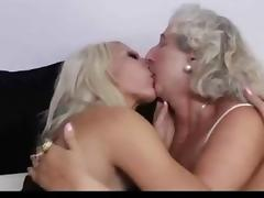gilf and milf has lesbian sex