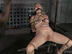 Poor babe Winnie Rider will never forget this gruesome treatment!