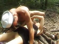 Maude baccardi dans la nature. porn tube video